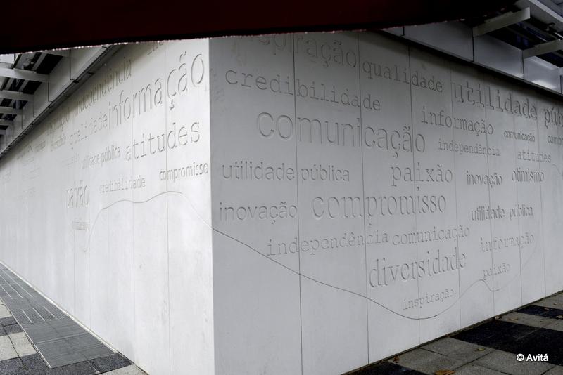fachada-corian-avita